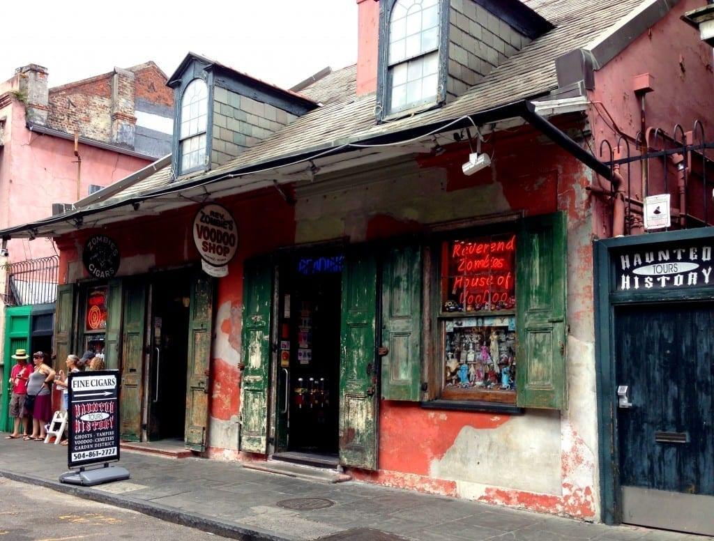 New Orleans haunted cemetery tour